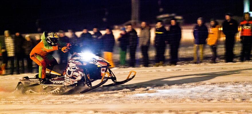 Ey-Lív Snowmobile drag race | Iceland Winter Games